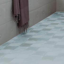 Pavimenti in pvc prezzi offerte e posa piastrelle in pvc for Piastrelle vinile leroy merlin