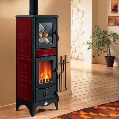 Stufa a legna con forno Maddalena 6.2 kW bordeaux
