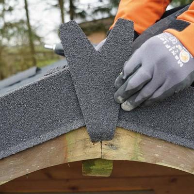 Finale per lastra Easy Tuile in acciaio zincato ricoperto con granuli di pietra color antracite 11,5 x 21 cm